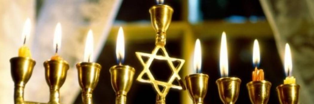 Kaarsen, oliebollen en cadeautjes